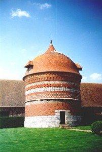 Colombier ou édifice dans PIGEON - COLOMBE manoir_dango_03-201x300